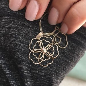 🌸 Flower pendant and chain 🌸
